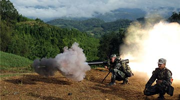 Border defense regiment conducts live-fire training