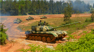 Type 96A main battle tanks in training