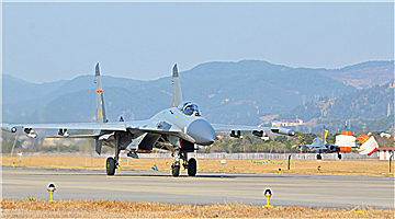 Fighter jets train before Spring Festival