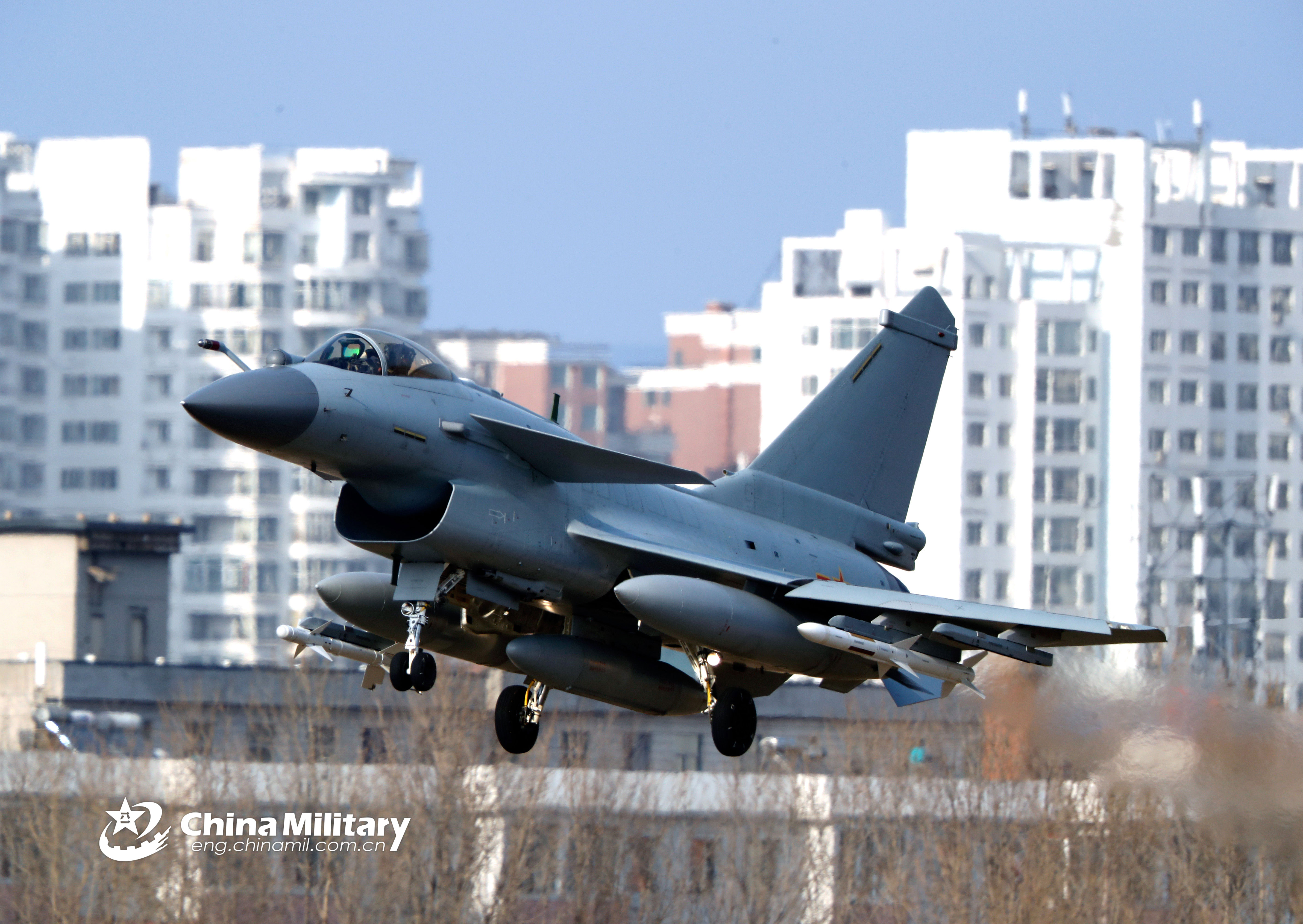 J-10 fighter jets take off - China Military