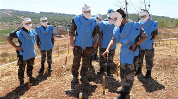 18th batch of Chinese peacekeepers work at minefield near UN-demarcated