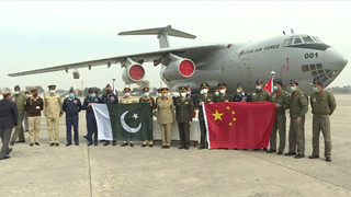 Pakistan receives COVID-19 vaccines donated by Chinese military