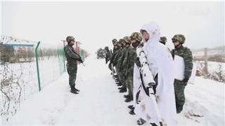Armed police hold anti-terror drill despite snow in Shandong